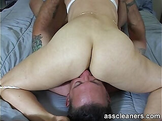 2:32 - Man cleans the mistress ass hole for a blow job in return -