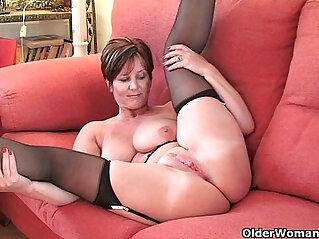 18:35 - British milf Joy exposing her big tits and hot fanny -