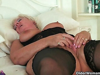 12:53 - British grannies Alisha Rydes and Sandie going solo -