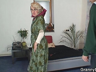 6:10 - Lonely old grandma pleases an young guy -