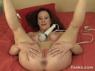 0:00 - Busty amateur MILF Catherine Vibrating Her Pussy -