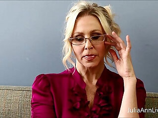 10:21 - Bad teacher milf julia ann shows you how to get extra credit -