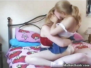 15:39 - Pretty amateur lesbo teenagers first time -