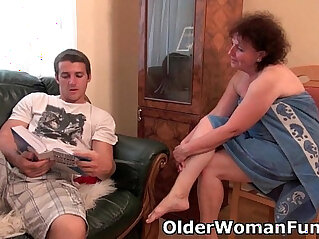 Chubby granny gets her ass drilled on the couch