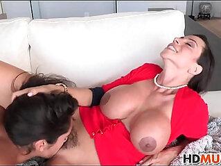 7:32 - Hot mom ariella ferrera and chloe amour sex -