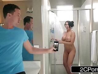 7:40 - Step Son Catches Reagan Foxx In The Shower -