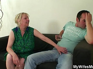 6:04 - What the fuck is going on here, mom?!! -