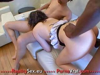 6:55 - Mature anal gangbang bien enculee ! -