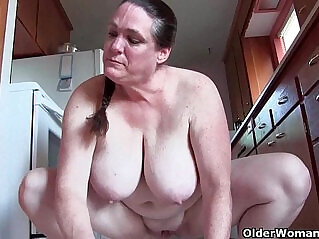 6:09 - Granny with big tits cleaning the kitchen naked -