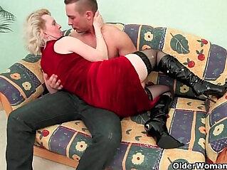 25:20 - Skip the romance mom just wants cock -