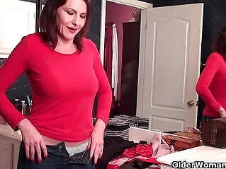 5:01 - Soccer mom with her hairy wet pussy masturbates in pantyhose -