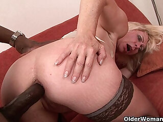 22:09 - Mom gets black monster cock up her ass -