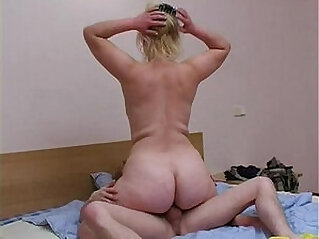 19:57 - Blonde mom with son -