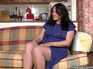 12:55 - British granny works her pantyhosed old pussy -