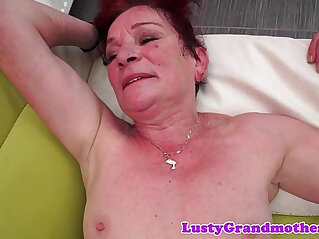 7:21 - Redhead mature banged and jizzed on belly -