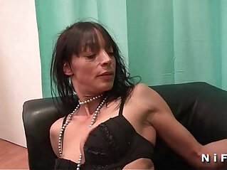 6:09 - Skinny french mature woman gets anal fucked -