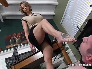 1:43 - Office FootBitch Milking -