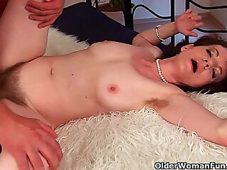 6:48 - Mature mom Evelyn with her hairy crotch and armpits fucked hard deep -