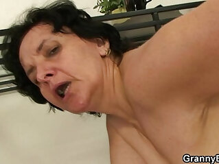 6:58 - He bangs her old pussy -