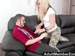 14:16 - AdultMemberZone Vanessa Gold just want to fuck a geek -
