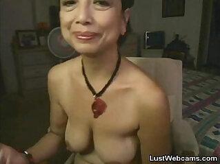 20:54 - Asian masturbates on webcam -