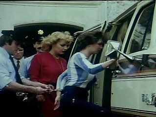 5:54 - Prisons Tres Speciales Pour Femme 1982 Olinka Hardiman -