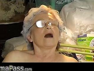 9:08 - Old chubby Granny masturbate -