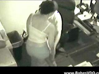7:11 - Boss Fucking her Secretary Spy Cam -
