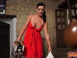 11:23 - Spanish Mom Carla Pons at Saboom -