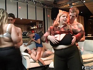 6:10 - Plump chick gets fucked at party -