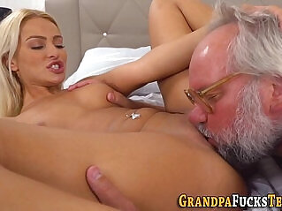 6:39 - Whore eaten out by senior -