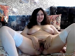 11:24 - Chubby MILF plays with her hairy pussy on cam -