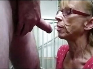 3:21 - Grandma from gives a great blowjob -