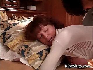 16:07 - Hot sexy mature big ass babe gives -