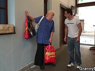 7:10 - Old granny pleases an young guy -