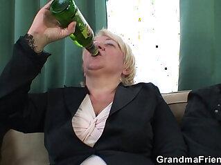 7:39 - Boozed granny double penetration -
